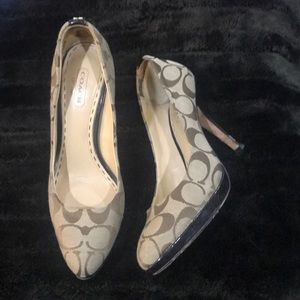 Coach signature heels size 6